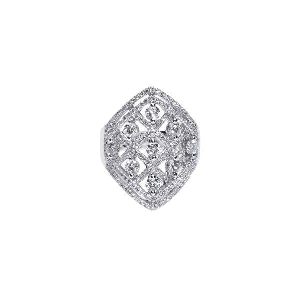 750  White Gold Diamond Ring D3-006