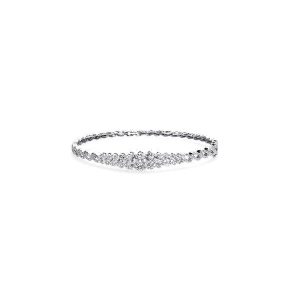 750 White Gold Diamond Bangle 3DB00015