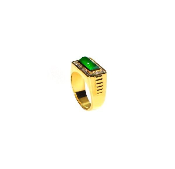 750 Yellow Gold Jade Ring D3-026