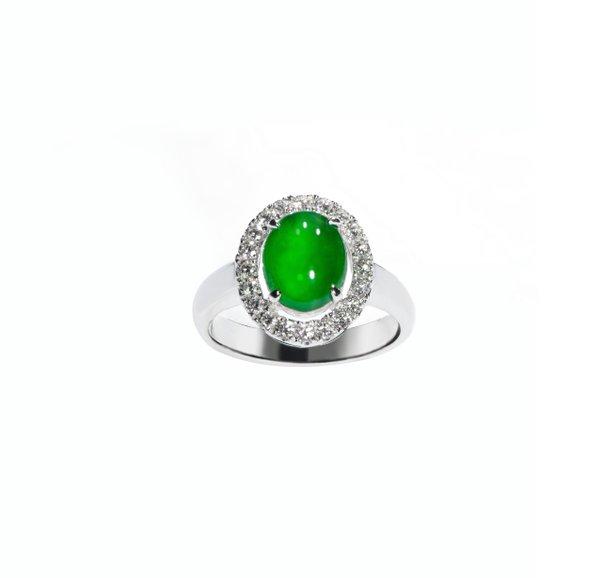 750 White Gold Jade Ring D3-027