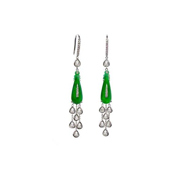 750 White Gold Jade Earring D4-013