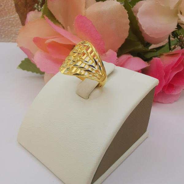 916 Gold Flower Rhombus Ring