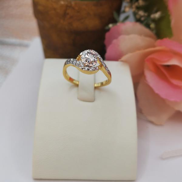 916 Gold Two Tone Eichhornia Ring