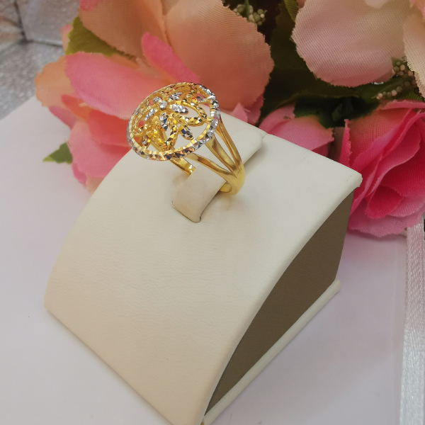 916 Gold Two Tone Flower Parasol Ring
